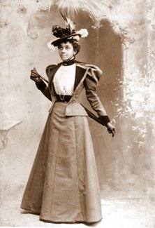 african-american-woman-cabinet-card-1_glmmry